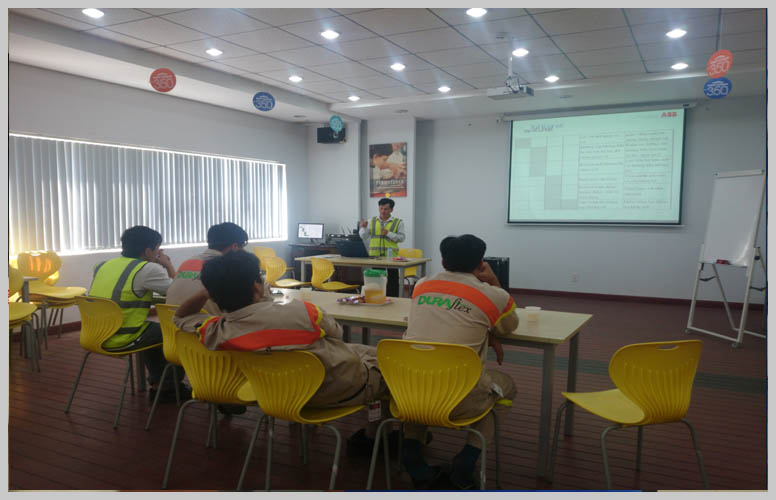 Training technical, operation, maintenance motors at customer's office