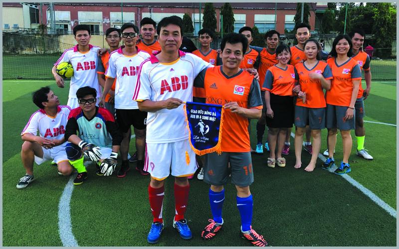 Giao hữu bóng đá với ABB